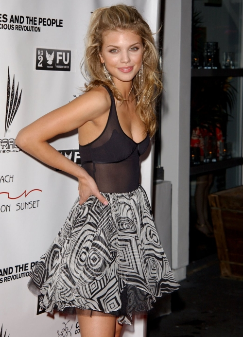 Annalynne mccord excision - 4 6